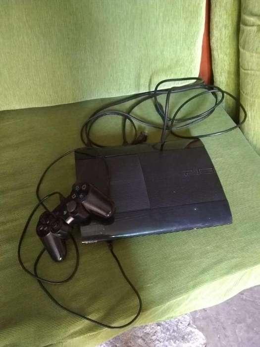 Vendo consola PS3 con una gama amplia de juegos
