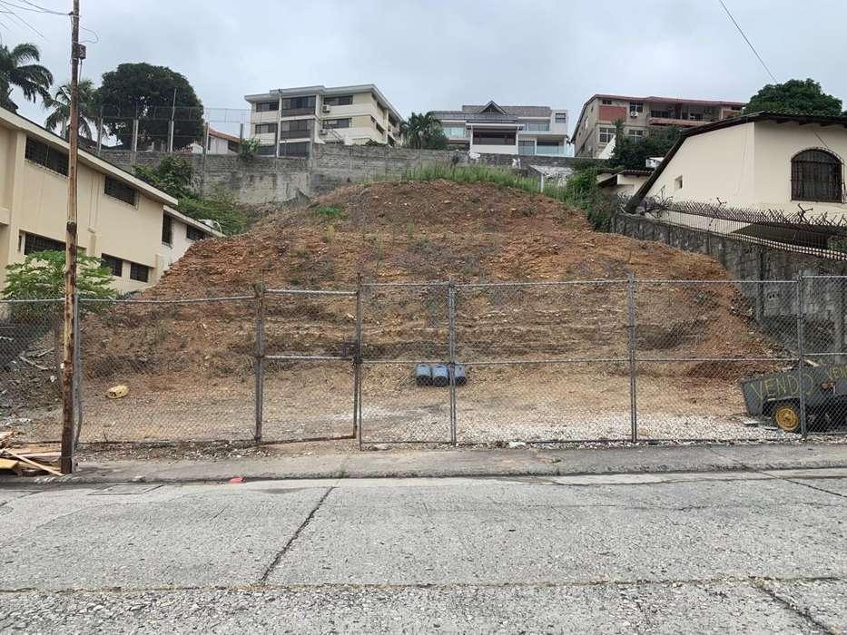 Se Vende Venta de Fabuloso Terreno en Urdesa Central 950 m², norte de Guayaquil