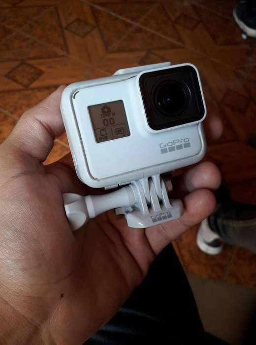 GoPro Hero 7 Black // Dusk White Limited Edition