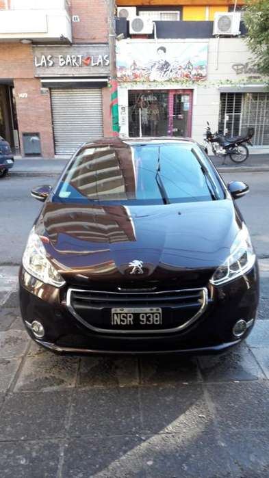 Peugeot 208 2014 - 60000 km
