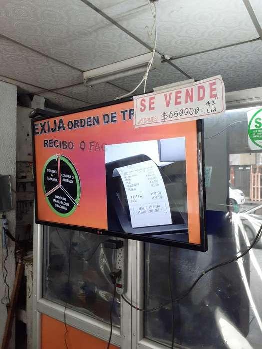 Se Vende Vitrina Y Tv Inf 3104633093