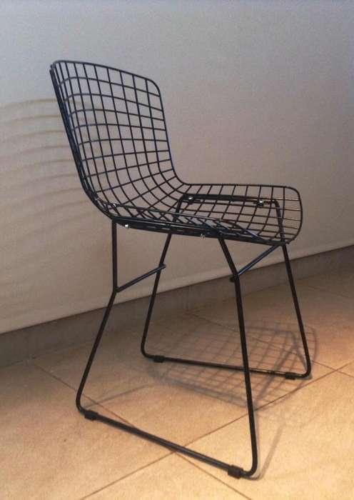 <strong>silla</strong>s Bertoia con Almohadón