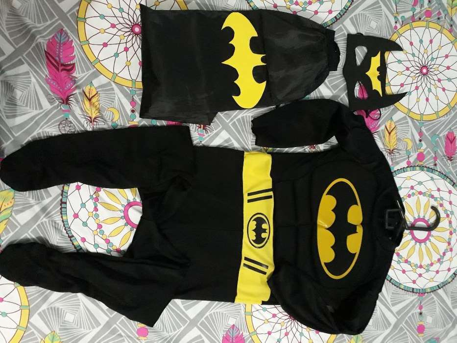 Vendo Disfraz de Batman Talla 6.