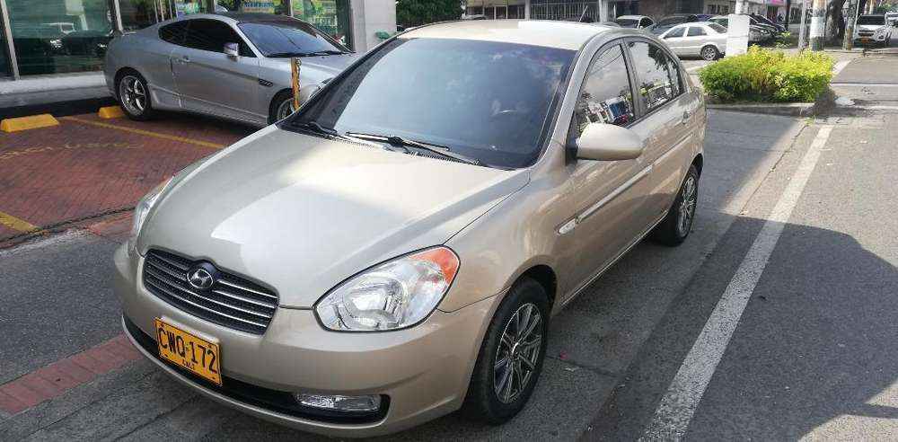 Hyundai Accent 2010 - 102000 km