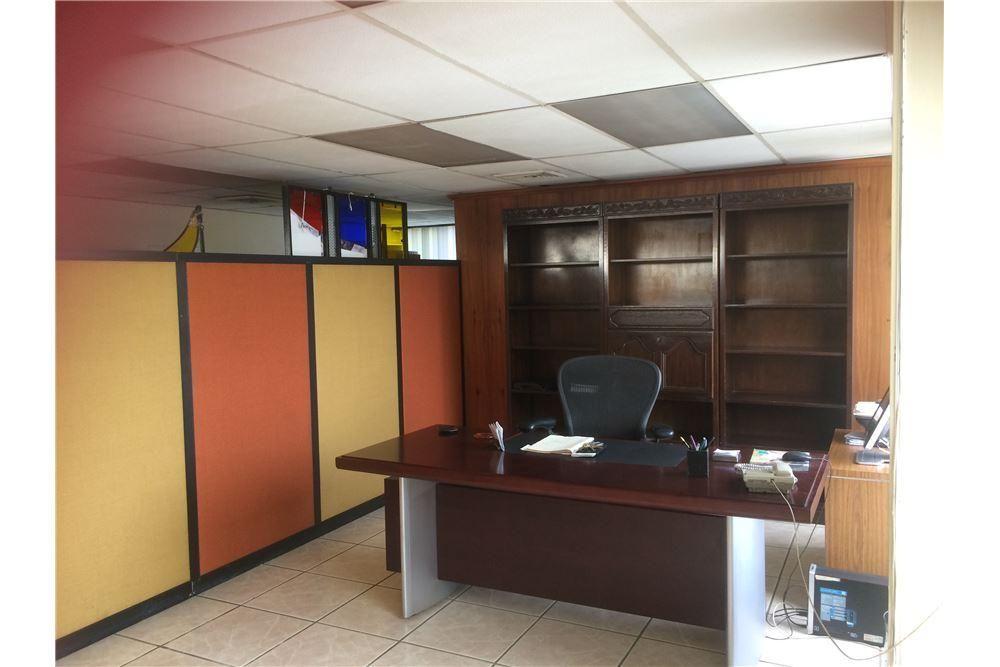 Oficina en Venta en en Centro de Guayaquil, Ma. Leonor Villegas