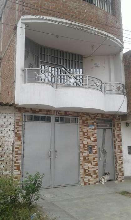 Ventade Casa de 3 Pisos en Trujillo