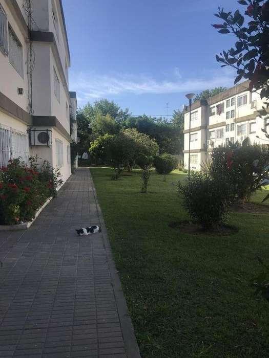 Departamento en Alquiler en Ezpeleta, Quilmes 9600