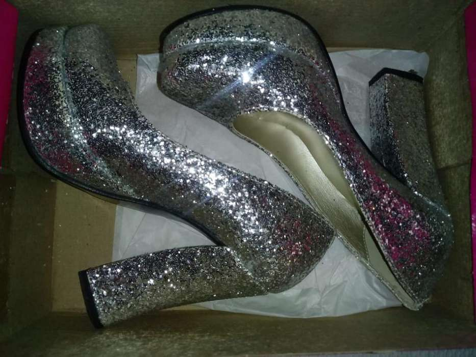 Ropa Y Zapatos de Fiesta