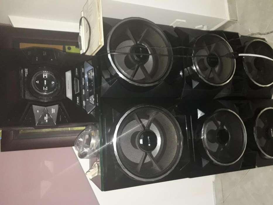 equipo de sonido sony MHC-GPX88
