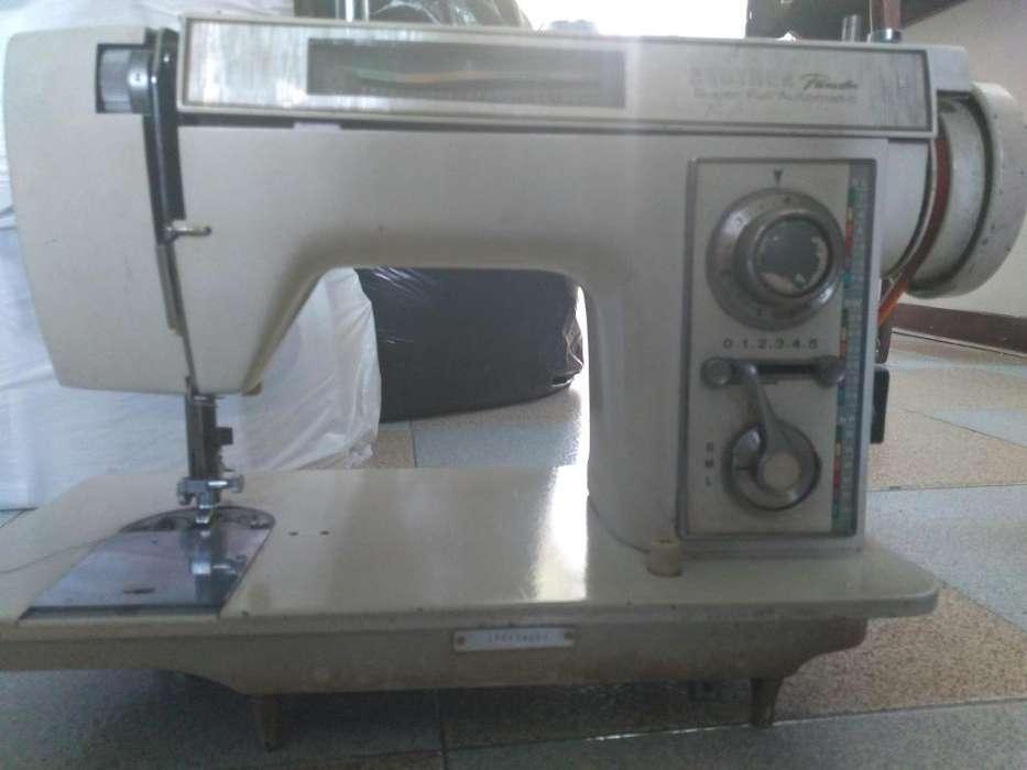Conjunto de 4 Maquinas Familiares para coser