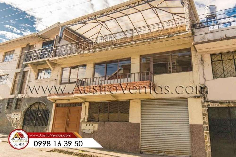 Casa 1 tienda 3 departamentos en el centro de Cuenca