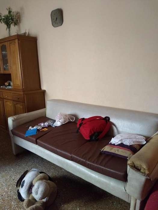 vendo por mudanza,alacena gris, mueble de melanina color pino,