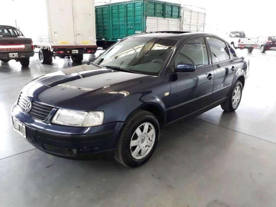 Volkswagen Passat 1999 - 267000 km