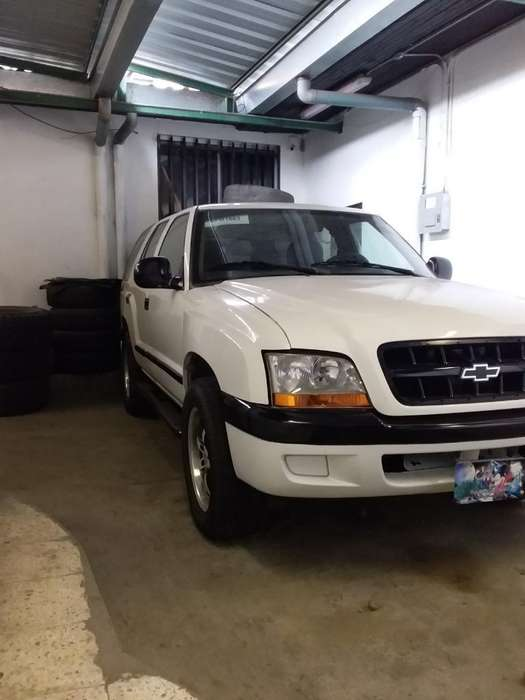 Chevrolet Miniblazer 2002 - 300000 km