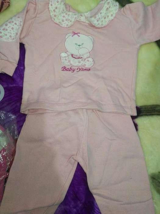Prendas de Bebes 2 Ositos sin Uso
