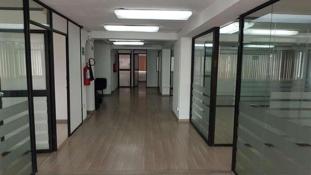 Venta <strong>oficina</strong> Sector Comercial Edificio Corporativo