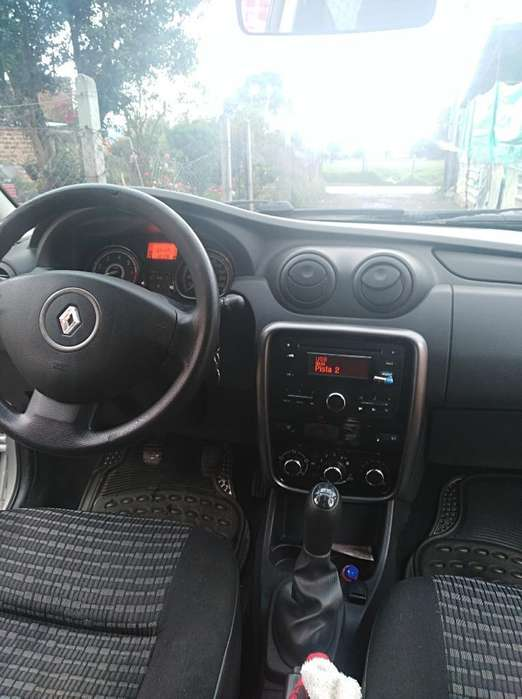 Renault Sandero 2015 - 125 km