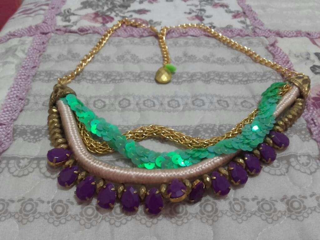 3175f7932365 Collar Varios Colores Y Dijes - San Miguel de Tucumán