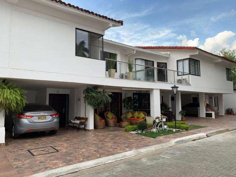 Casa En Venta En Cali Pampalinda Cod. VBVLZ-1504