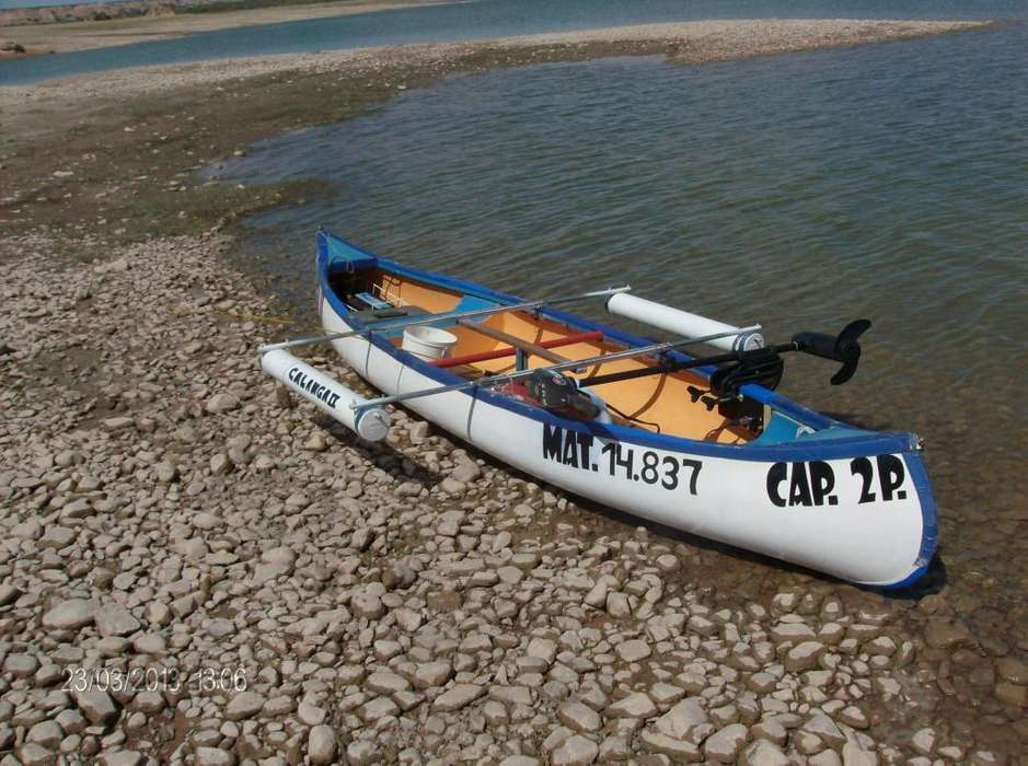 VENDO CANOA CANADIENSE 40.000 SIN TRAILER