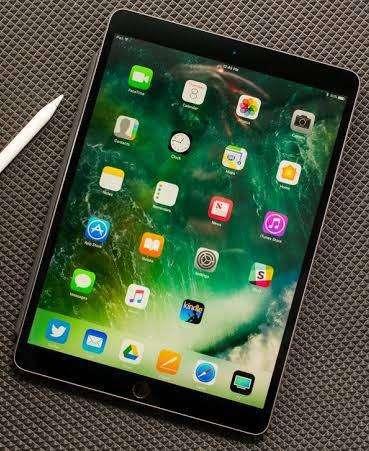 iPad Pro 10.5 en Caja 9.9/10