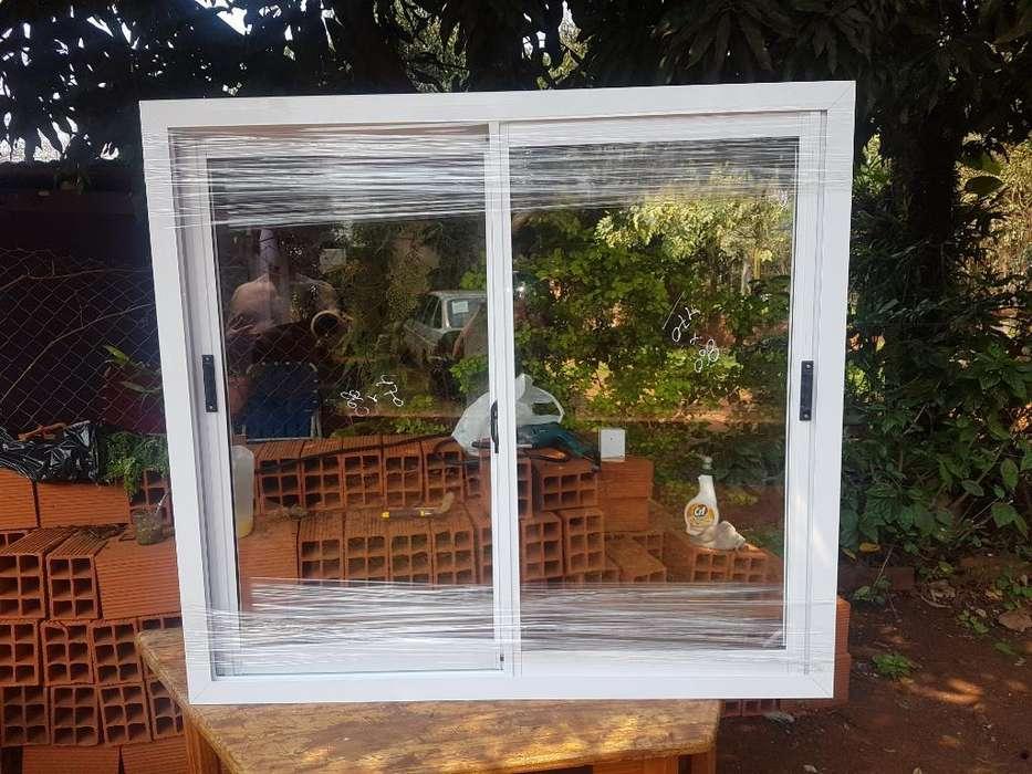 Ventana de Aluminio con Vidrio de 4mm