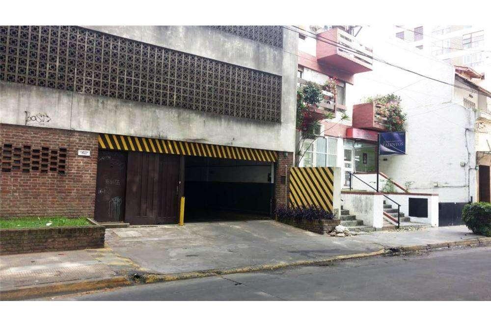 Venta de Cochera Cubierta y Fija en Vicente Lopez
