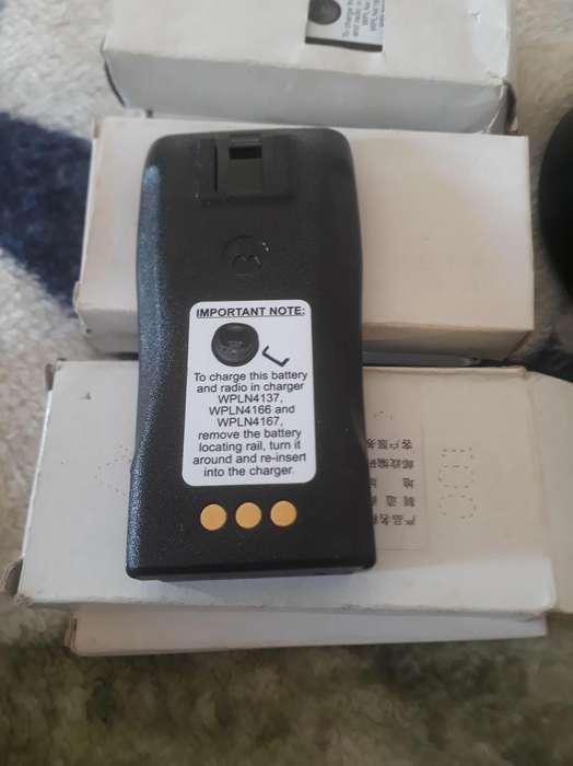 Radios motorolas rango ALTO!, con nueve baterías totalmente nuevas!