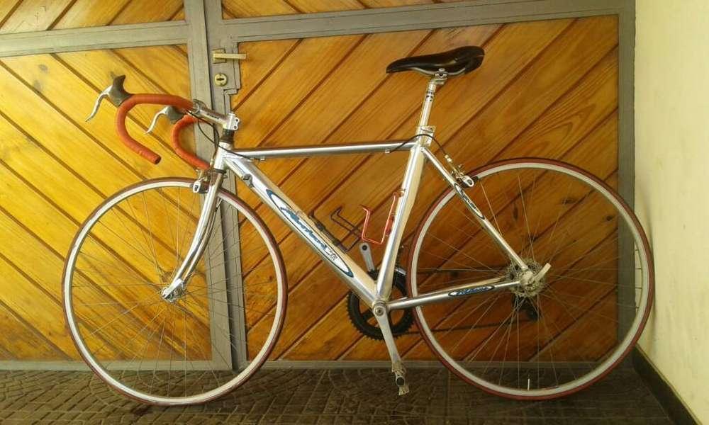 Vendo Bicicleta de Carrera