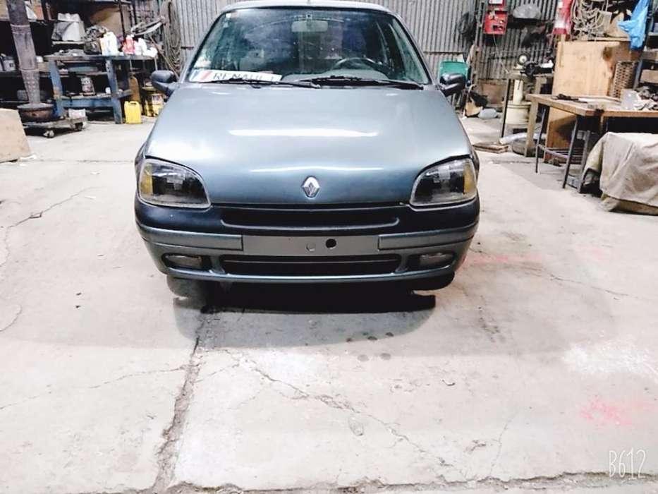 Renault Clio  1998 - 111111 km