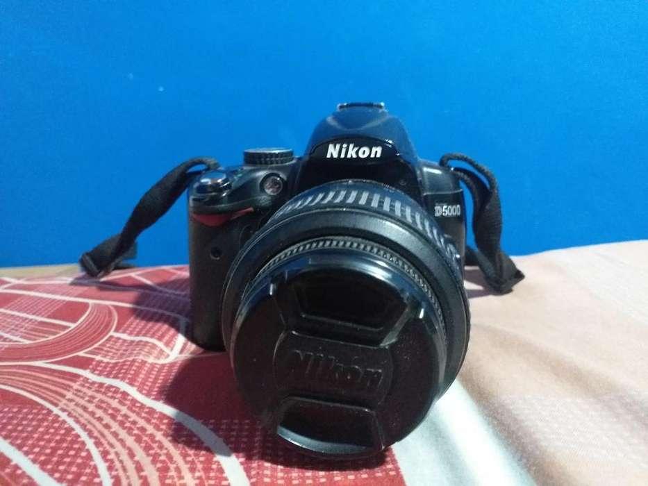 Vendo Cámara Nikon D5000