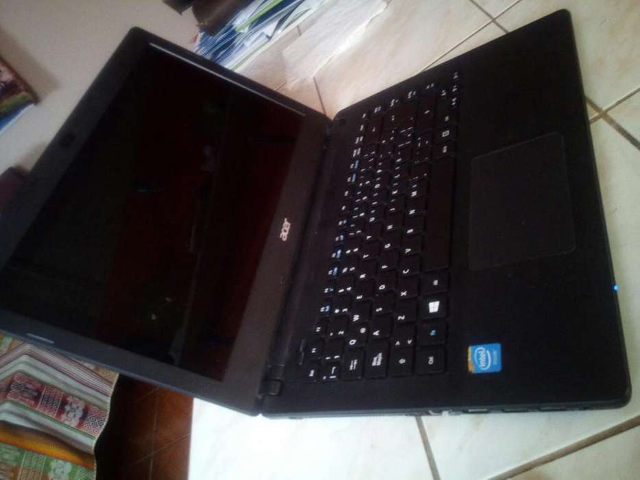 <strong>laptop</strong> Acer Es1-411