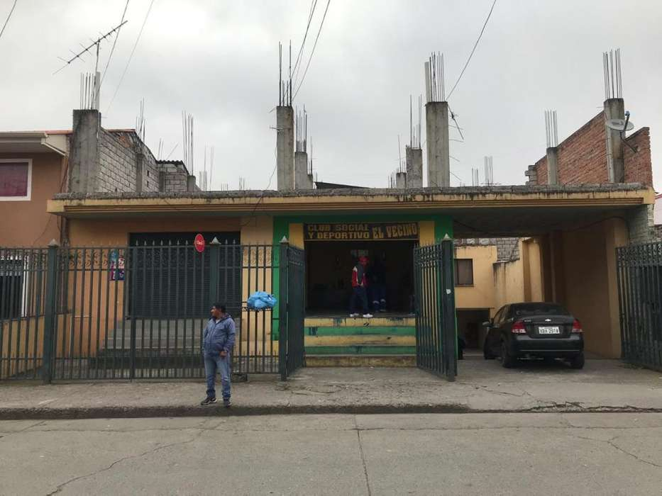 Se Vende Linda Casa Rentera y Comercial, Rafael Ma. Arizaga, (a 2 min. del Centro)