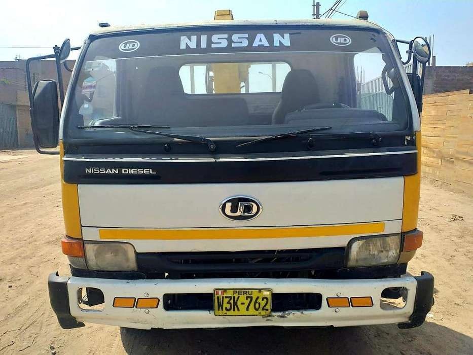 Camion Grua Nissan