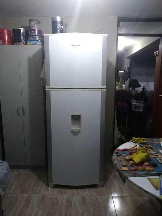 Refrigeradora Whirlpool Wrw48 Grande Buen Estado