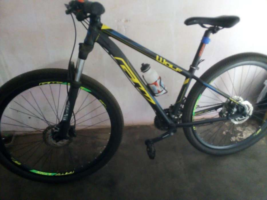 Se Vende Bicicleta Gw 120616 color Negra