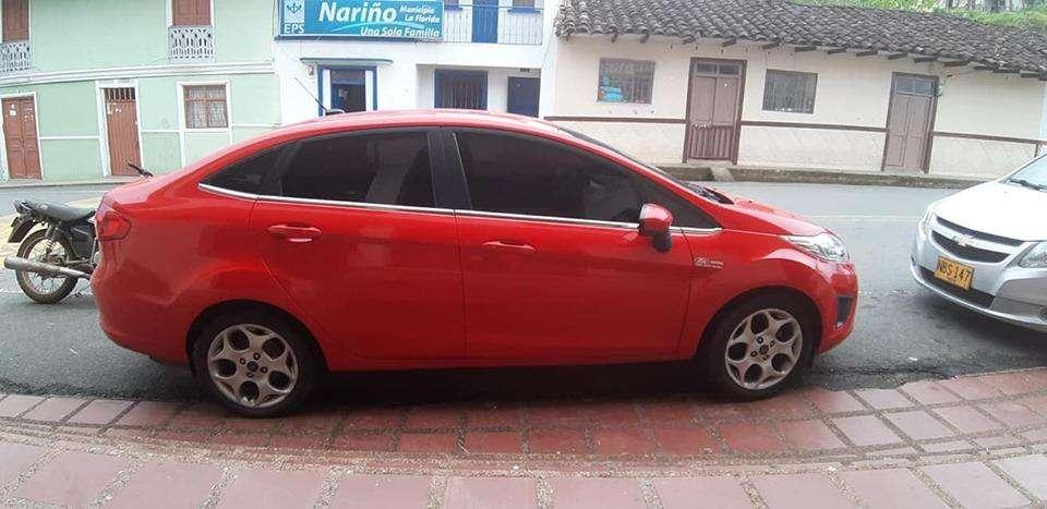 Ford Fiesta  2012 - 65000 km