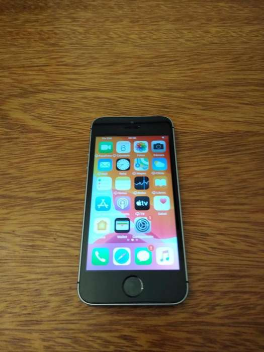 iPhone Se 32gb Impecableee sin Detalles