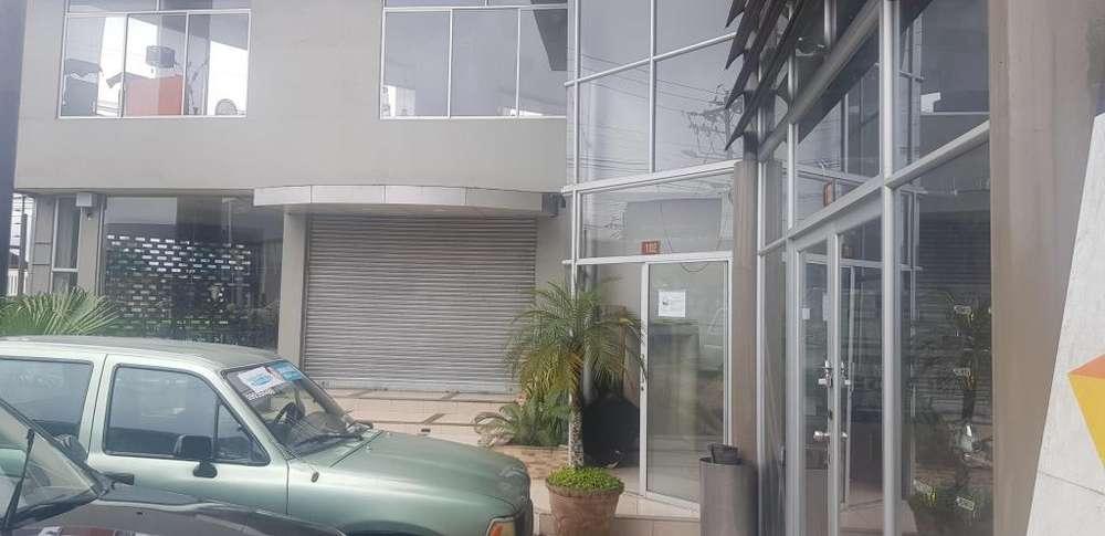 Local Comercial 75 m2, Vía Quevedo, Klm. 3. Plaza Comercial Victoria