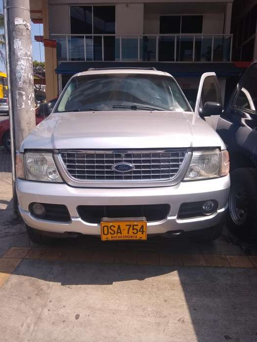 <strong>ford</strong> Explorer 2004 - 100 km