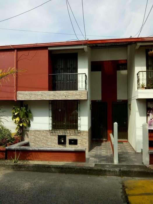Se arrienda <strong>casa</strong> en Villa del prado Pereira