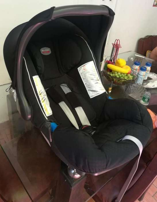 Silla portable para bebé- Marca BRITAX