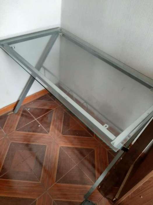 Mesa de vidrio grande