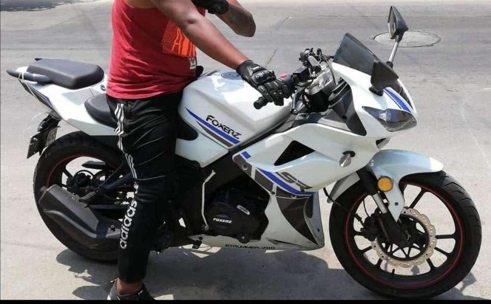 Vendo moto practicamenre <strong>nueva</strong>