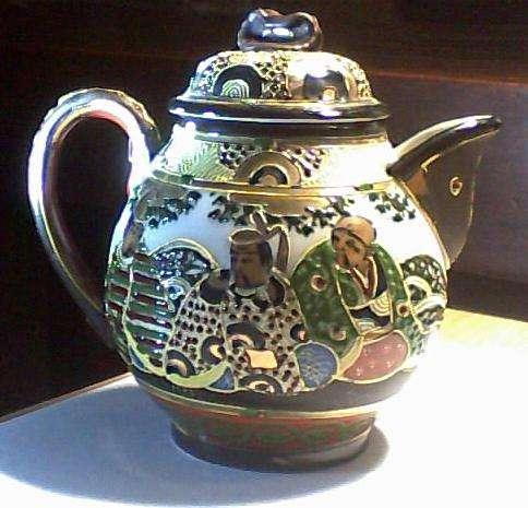 Tetera de porcelana japonesa estilo Satsuma