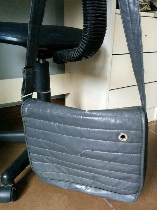 <strong>cartera</strong> y bolso grande ideal para trabajo/estudiante