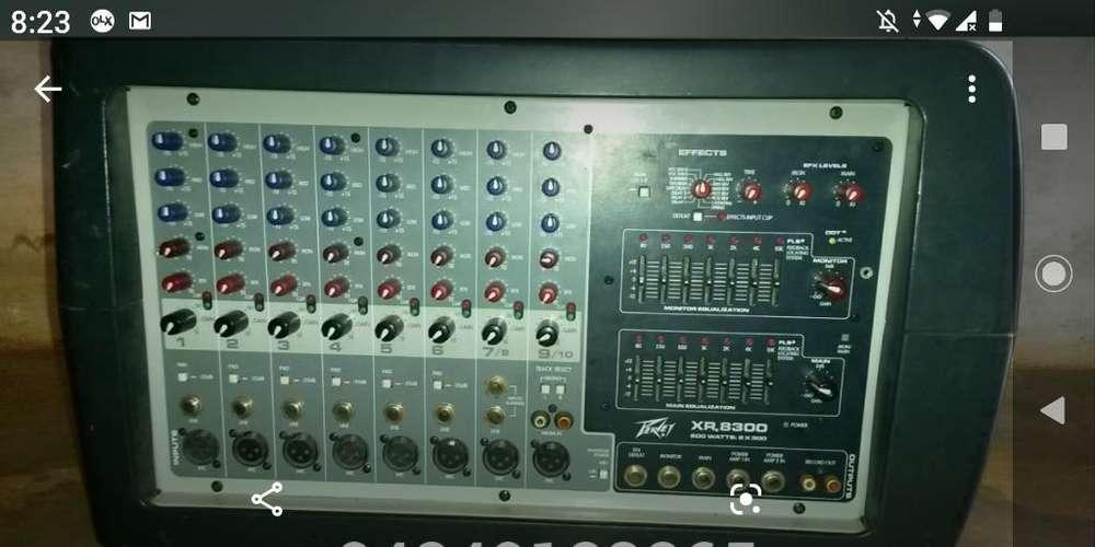Consola Activa Peavey Original 8300
