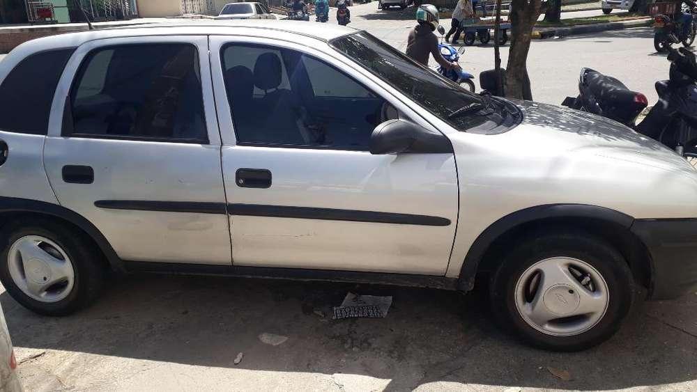 Chevrolet Corsa 4 Ptas. 1998 - 1200 km