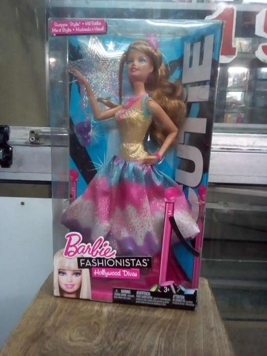 Barbie articulada fashionista antigua