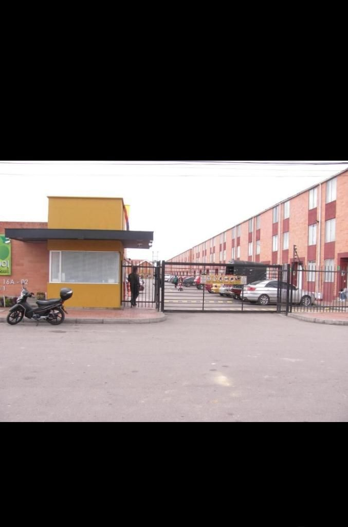 Vendo Casa 3 Niveles en Mosquera Barata
